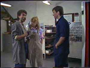 Darren Porter, Charlene Mitchell, Gary West in Neighbours Episode 0424
