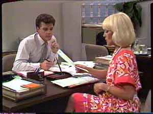 Paul Robinson, Rosemary Daniels in Neighbours Episode 0424