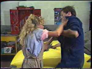Charlene Mitchell, Gary West in Neighbours Episode 0424