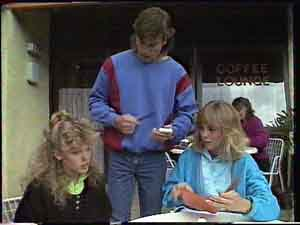 Charlene Mitchell, Jane Harris, Mike Young in Neighbours Episode 0425