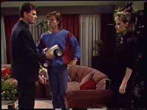 Daphne Clarke, Des Clarke, Mike Young in Neighbours Episode 0425