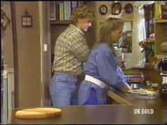Henry Ramsay, Sue Parker in Neighbours Episode 0473