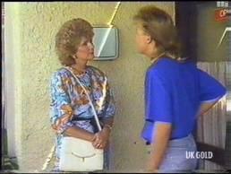 Madge Bishop, Scott Robinson in Neighbours Episode 0473