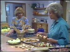 Madge Bishop, Helen Daniels in Neighbours Episode 0473