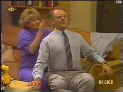 Madge Bishop, Harold Bishop in Neighbours Episode 0475
