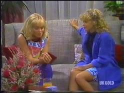 Jane Harris, Charlene Mitchell in Neighbours Episode 0475