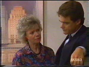 Helen Daniels, Paul Robinson in Neighbours Episode 0477