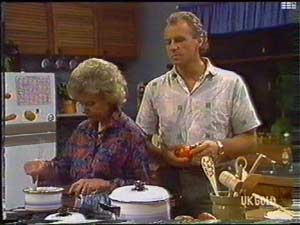Helen Daniels, Jim Robinson in Neighbours Episode 0477