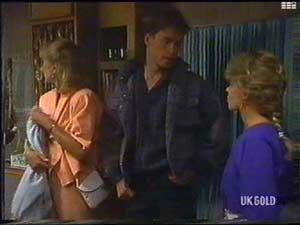 Mike Young, Charlene Mitchell, Jane Harris in Neighbours Episode 0477