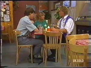 Warren Murphy, Charlene Mitchell, Henry Ramsay in Neighbours Episode 0478