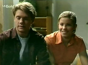 Lance Wilkinson, Anne Wilkinson in Neighbours Episode 2915