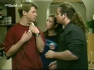Lance Wilkinson, Anne Wilkinson, Toadie Rebecchi in Neighbours Episode 2915