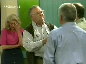 Madge Bishop, Harold Bishop, Lou Carpenter, Philip Martin in Neighbours Episode 2915