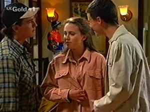 Darren Stark, Libby Kennedy, Martin Pike in Neighbours Episode 2917