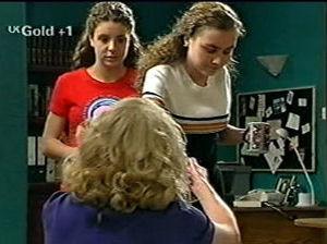 Hannah Martin, Madge Bishop, Debbie Martin in Neighbours Episode 2918