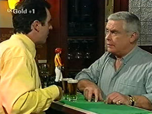 Karl Kennedy, Lou Carpenter  in Neighbours Episode 2918