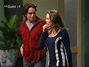 Libby Kennedy, Darren Stark in Neighbours Episode 2918