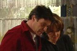 Joe Scully, Lyn Scully in Neighbours Episode 4331
