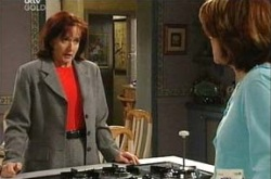 Susan Kennedy, Lyn Scully in Neighbours Episode 4338