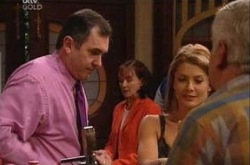 Karl Kennedy, Izzy Hoyland, Lou Carpenter, Susan Kennedy in Neighbours Episode 4343