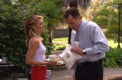 Izzy Hoyland, Karl Kennedy in Neighbours Episode 4343