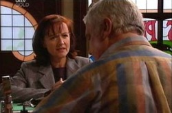 Susan Kennedy, Lou Carpenter in Neighbours Episode 4343