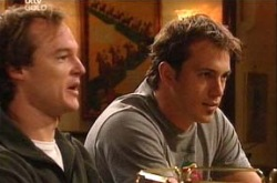 Jonathan Verne, Stuart Parker in Neighbours Episode 4344