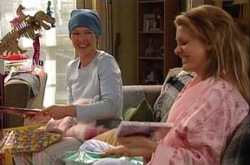Izzy Hoyland, Steph Scully in Neighbours Episode 4394