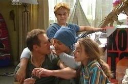 Max Hoyland, Steph Scully, Summer Hoyland, Boyd Hoyland, Dino in Neighbours Episode 4394