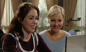 Libby Kennedy, Sindi Watts in Neighbours Episode 4509