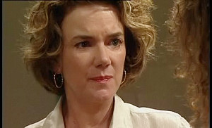 Lyn Scully in Neighbours Episode 4516