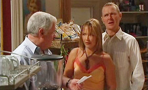 Lou Carpenter, Max Hoyland, Steph Scully in Neighbours Episode 4811