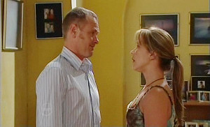 Max Hoyland, Steph Scully in Neighbours Episode 4811
