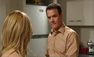 Izzy Hoyland, Paul Robinson in Neighbours Episode 4812