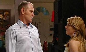 Max Hoyland, Izzy Hoyland in Neighbours Episode 4812