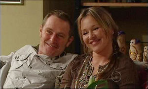 Max Hoyland, Steph Scully in Neighbours Episode 4935