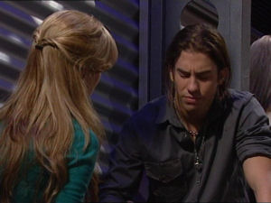Elle Robinson, Dylan Timmins in Neighbours Episode 4998