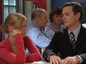 Elle Robinson, Paul Robinson in Neighbours Episode 5066