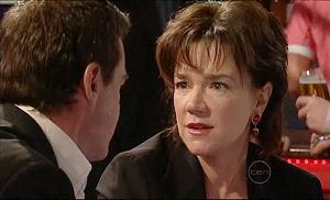Lyn Scully, Paul Robinson in Neighbours Episode 5096