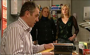 Janelle Timmins, Karl Kennedy, Loris Timmins in Neighbours Episode 5097