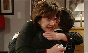 Lyn Scully, Paul Robinson in Neighbours Episode 5098