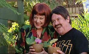 Mishka Schneiderova, Lou Carpenter in Neighbours Episode 5098