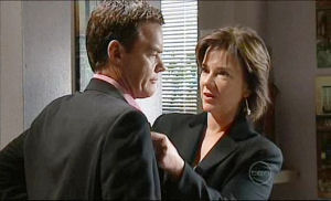 Paul Robinson, Lyn Scully in Neighbours Episode 5108