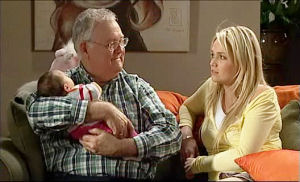 Harold Bishop, Sky Mangel, Kerry Mangel (baby) in Neighbours Episode 5108