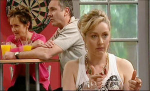 Susan Kennedy, Karl Kennedy, Janelle Timmins in Neighbours Episode 5108