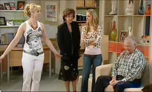 Janelle Timmins, Lyn Scully, Elle Robinson, Harold Bishop in Neighbours Episode 5108