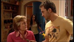 Selma Atkins, Carmella Cammeniti, Will Griggs in Neighbours Episode 5125