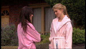 Carmella Cammeniti, Elle Robinson in Neighbours Episode 5131