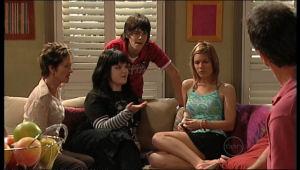 Susan Kennedy, Bree Timmins, Zeke Kinski, Rachel Kinski in Neighbours Episode 5132