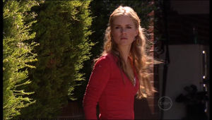 Elle Robinson in Neighbours Episode 5136